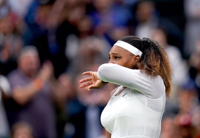 29 June 2021, United Kingdom, London: American tennis player Serena Williams leaves the court after withdrawing from her women's singles first-round match against  Belarus' Aliaksandra Sasnovich on day two of the 2021 Wimbledon Tennis Championships at The