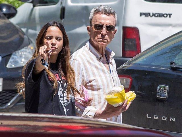 José Ortega Cano y Gloria Camila, tras una de sus visitas a José Fernando