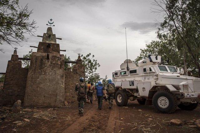 Archivo - Una patrulla de la ONU en Malí