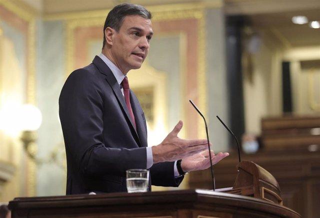 El presidente del Gobierno, Pedro Sánchez, interviene en una sesión de control al Gobierno en el Congreso de los Diputados, a 30 de junio de 2021, en Madrid, (España).