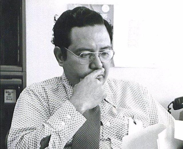 Arturo Campos, gerente del subsistema de energía eléctrica del módulo lunar Apollo 13.
