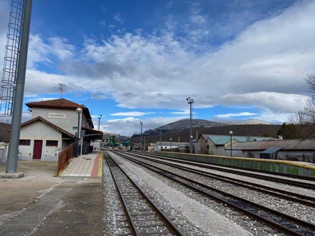 Archivo - Estación de Guardo, en la línea de ancho métrico León-Guardo.