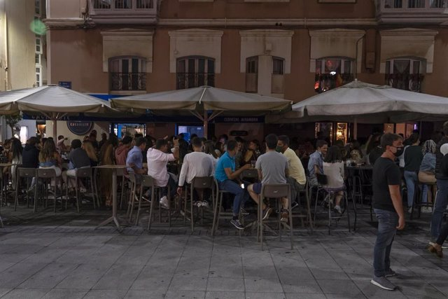 Archivo - Bares de copas en Cañadío