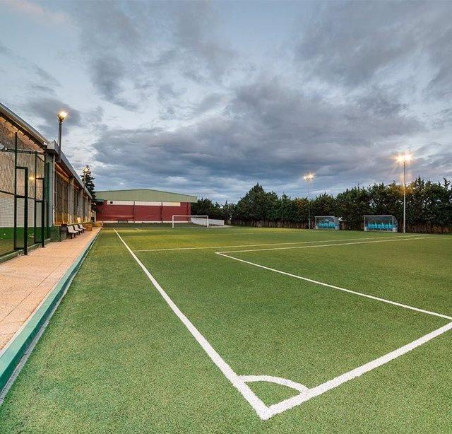 Polideportivo Municipal de Torrelodones- campo de fútbol 7