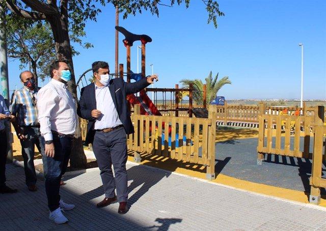 Visita a las obras de reurbanización de la barriada onubense de Marismas del Odiel.