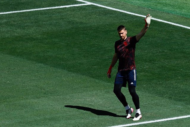 Unai Simon of Spain warms up during the UEFA EURO 2020 Group E football match between Slovakia and Spain at La Cartuja stadium on June 23, 2021 in Seville, Spain.