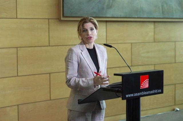 La portavoz del PSOE en la Asamblea de Madrid, Hana Jalloul, interviene tras una reunión con la presidenta de la Asamblea de Madrid, a 14 de junio de 2021, en Madrid (España). Carballedo inicia hoy una ronda de contactos con los grupos parlamentarios de l