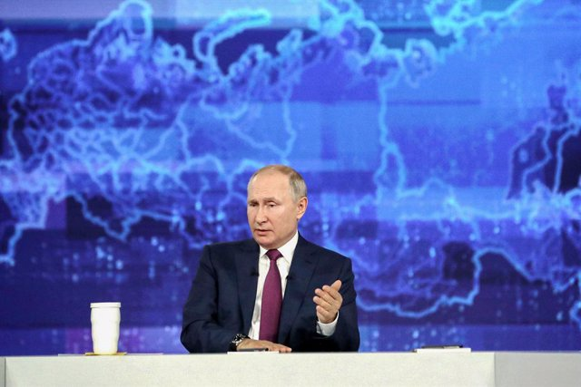 """HANDOUT - 30 June 2021, Russia, Moscow: Russian President Vladimir Putin speaks during his annual """"Direct Line with Vladimir Putin"""" live call-in show. Photo: -/Kremlin/dpa - ATTENTION: editorial use only and only if the credit mentioned above is reference"""