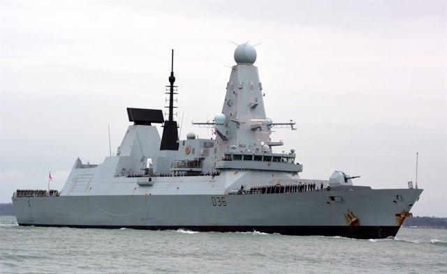 Archivo - El destructor británico HMS Defender.