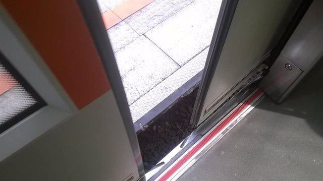 Anchura entre vagón y andén en una estación de Metro Bilbao