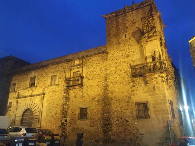 Archivo - La Comisión del Plan Especial de Cáceres da el visto bueno al proyecto de un hotel en el Palacio de Godoy