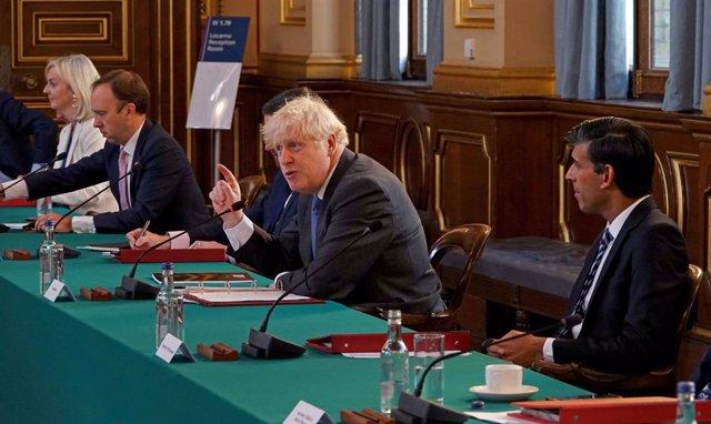 Archivo - 15 September 2020, England, London: (L-R) UK International Trade Secretary Liz Truss, Health Secretary Matt Hancock, Prime Minister Boris Johnson and Chancellor Rishi Sunak attend a Cabinet meeting at the Foreign and Commonwealth Office. Photo: