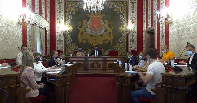 Alicante.- El pleno rechaza otorgar la Medalla de Oro de la Ciudad a la Sanidad Pública y que sea Puig quien la recoja