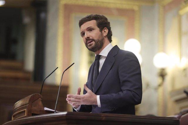 El líder del PP, Pablo Casado, interviene en el Pleno del Congreso de los Diputados que debate sobre los indultos. En  Madrid, a 30 de junio de 2021.