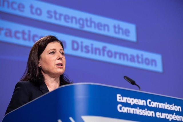 Archivo - La vicepresidenta del Ejecutivo comunitario responsable de consumo y justicia, Vera Jourova.