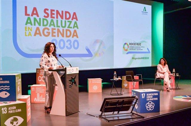 Rocío Ruiz durante la presentación del informe 'La senda andaluza en la Agenda 2030, un mapeo de las actuaciones de la Junta de Andalucía en la consecución de los Objetivos de Desarrollo Sostenible (ODS)', este miércoles
