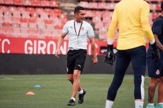 El entrenador español Francisco, en un entrenamiento con el Girona FC en la temporada 2020/21