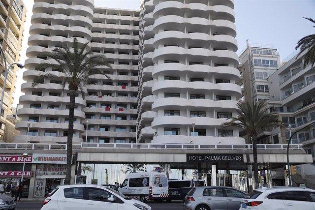 Hotel Palma Bellver, donde están confinados los jóvenes aislados por el 'macrobrote' asociado a viajes de fin de curso.