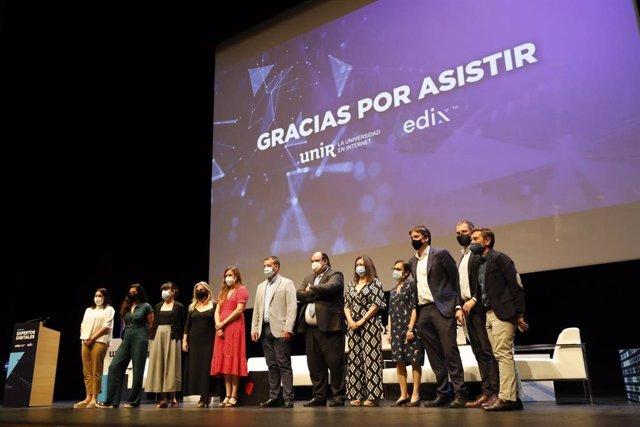 Foto de familia Foro Expertos Digitales