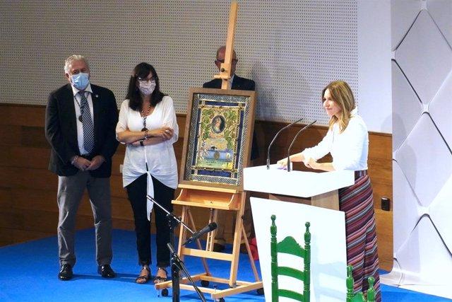 Archivo - La cantante Rocío Márquez recibe el premio de la Academia Iberoamericana de La Rábida.