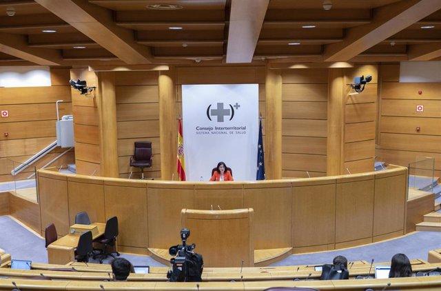Archivo - La ministra de Sanidad, Carolina Darias, ofrece una rueda de prensa tras la celebración del primer Consejo Interterritorial del Sistema Nacional de carácter presencial desde que comenzó la pandemia, a 30 de junio de junio, en Madrid (España).