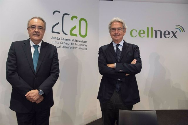 Archivo - Arxiu - El conseller delegat de Cellnex Telecom, Tobías Martínez, i el president, Franco Bernabè