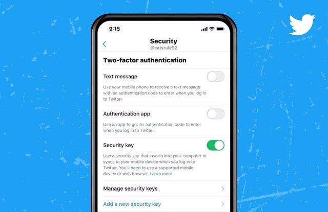 Verificación en dos pasos con llaves de seguridad físicas en Twitter.