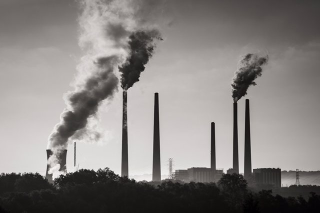 Archivo - Una Central Eléctrica De Carbón En El Río Ohio, Al Oeste De Cincinnati