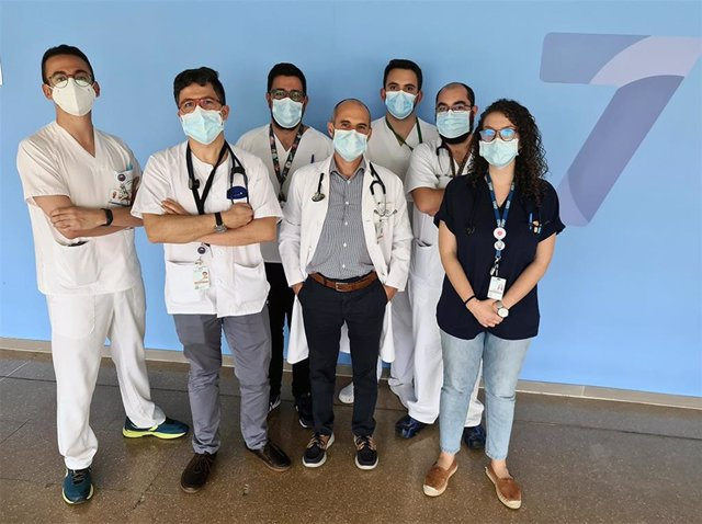 Una comunicación realizada por profesionales de Medicina Interna del Hospital Universitario Clínico San Cecilio de Granada ha sido premiada como experiencia de comunicación y difusión para el fomento de la cultura de seguridad del paciente.