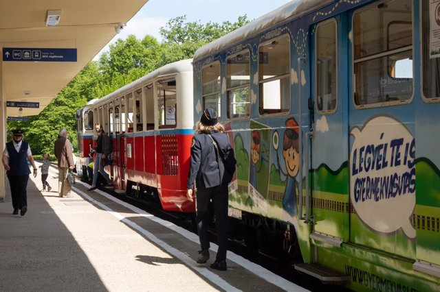 Reapertura del tren de los niños en Budapest