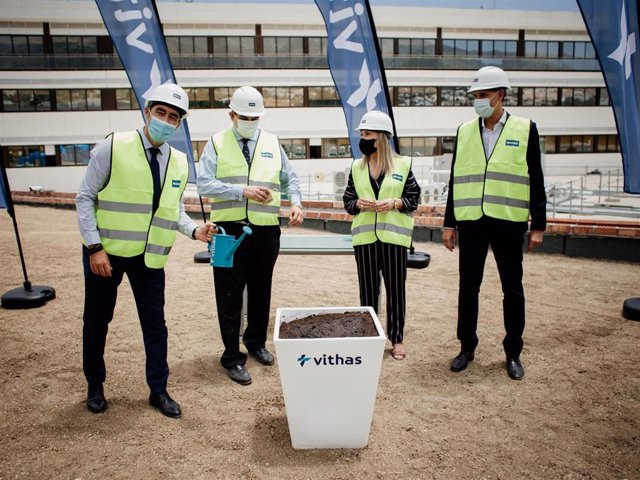 Finaliza el levantamiento de la estructura del nuevo edificio del Hospital Vithas Xanit Internacional