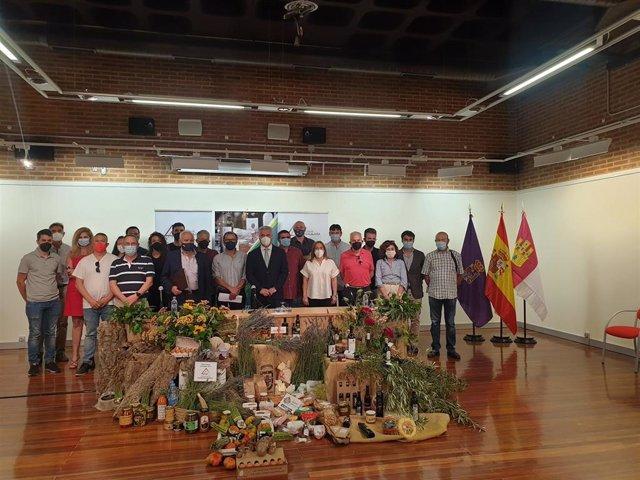 'Alimentos De Guadalajara' Cuenta Ya Con Marca Comercial Nacional.