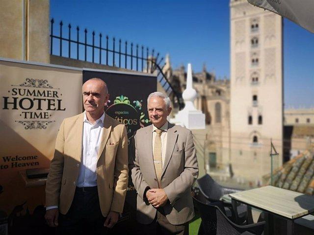Muñoz y Cornax, en el Hotel Doña María, en la presentación de la campaña del sector para atraer clientes.