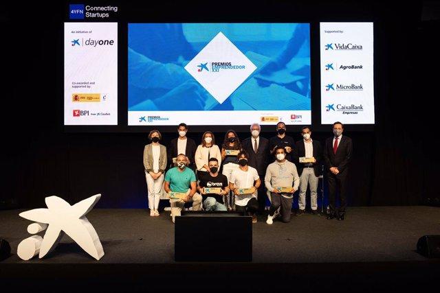 CaixaBank premia vuit empreses en els Premis EmprenedorXXI