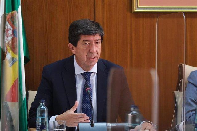 El vicepresidente de la Junta y consejero, Juan Marín, este jueves durante su comparecencia en comisión.