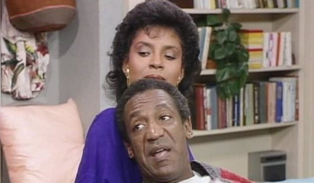 """Phylicia Rashad, la mujer de Bill Cosby en TV, defiende su salida de la cárcel: """"Se está arreglando un terrible error"""""""