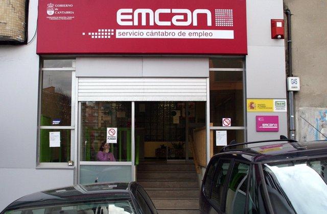 Archivo - Oficina de empleo en Santander