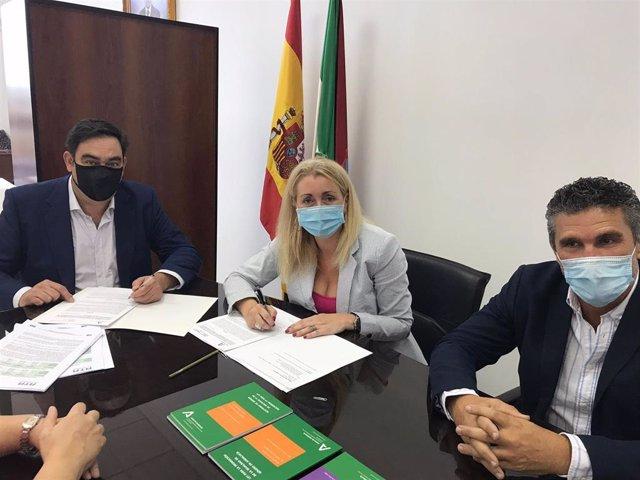 Rafael Amor, Laura Fernández y José Luis Perea este jueves