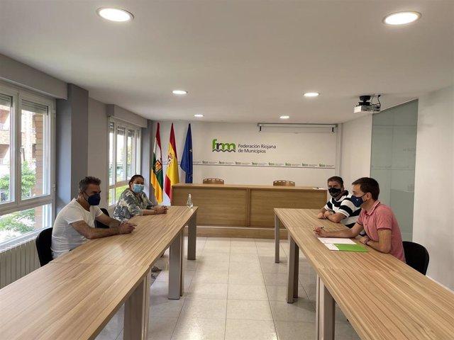 Representantes de la zona de urgencias de Ausejo trasladan a la FRM preocupación por la situación del servicio