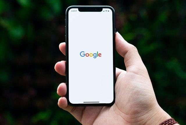 Logo de Google en un móvil.