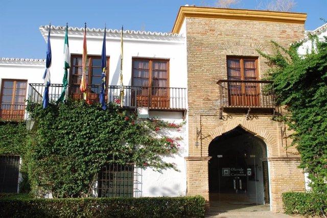 La sede Olavide en Carmona-Rectora Rosario Valpuesta, situada en la casa palacio de Los Briones