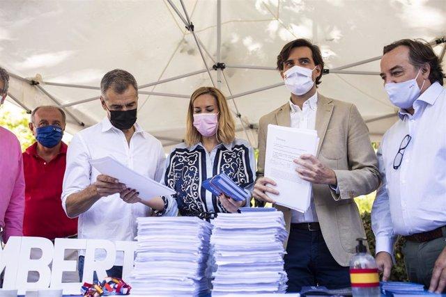 El ex dirigente del PP Toni Cantó; la vicesecretaria de Organización del PP, Ana Beltrán; el vicesecretario de Comunicación, Pablo Montesinos, y el presidente del PP Chamberí, Jaime González Taboada. En Madrid.
