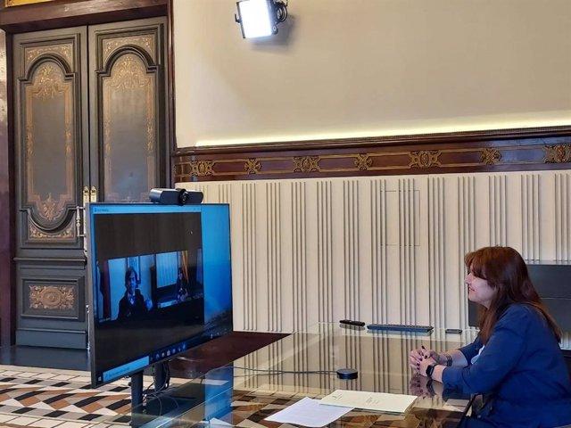 Reunió telemàtica de la presidenta del Parlament, Laura Borràs, amb el president de la regió italiana de la Vall d'Aosta , Alberto Bertin