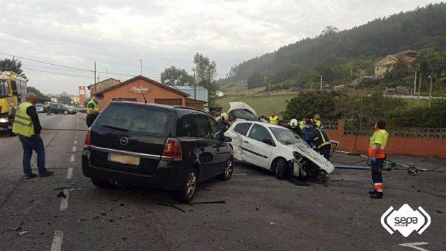 Accidente de tráfico en Prendes (Carreño)