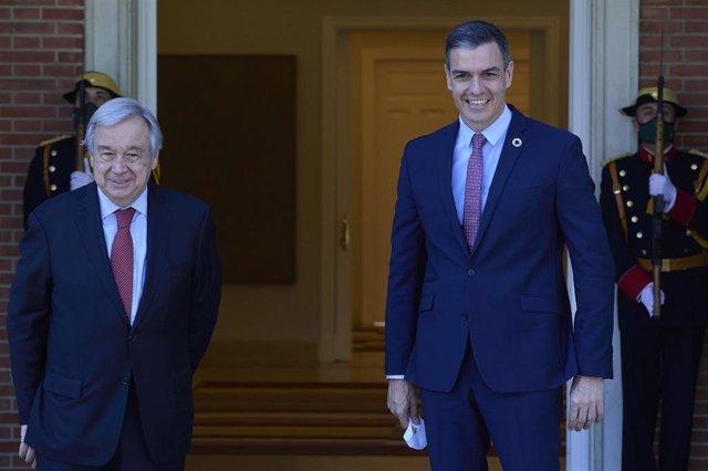 El presidente del Gobierno, Pedro Sánchez, recibe al secretario general de Naciones Unidas, Antonio Guterres, a 2 de julio de 2021, en el Palacio de La Moncloa, Madrid. (España). El encuentro entre ambos mandatarios se produce dentro de la visita oficial