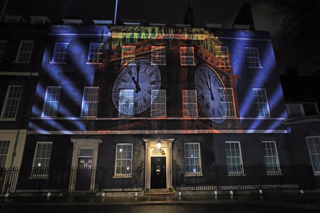 Archivo - 31 January 2020, England, London: A image of Big Ben is illuminated at 10 Downing Street after the United Kingdom officially left the European Union, ending 47 years of membership three and a half years after Britons voted narrowly in favour of