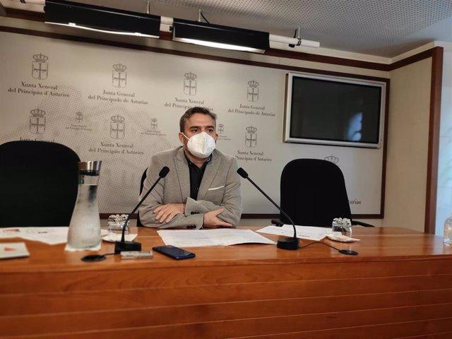El diputado de Ciudadanos, Luis Fanjul, en rueda de prensa.
