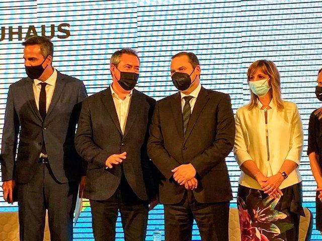 Juan Espadas participa en las jornadas Nueva Bauhaus del Ministerio de Transporte, Movilidad y Agenda Urbana en Madrid.
