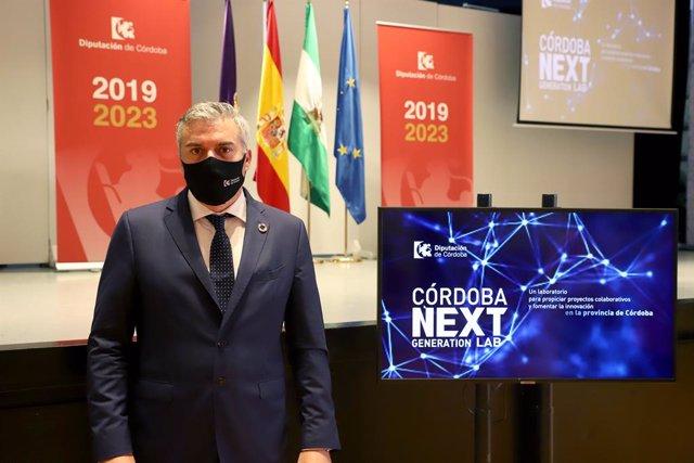 El delegado de Programas Europeos de la Diputación de Córdoba, Víctor Montoro, presenta 'Córdoba Next Generation Lab'.