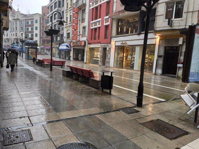 Calles de Oviedo bajo la lluvia